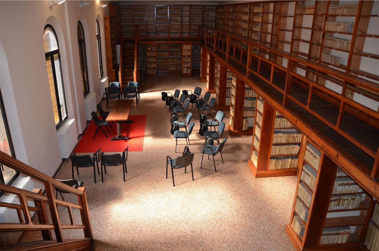 Sala lettura e ballatoio