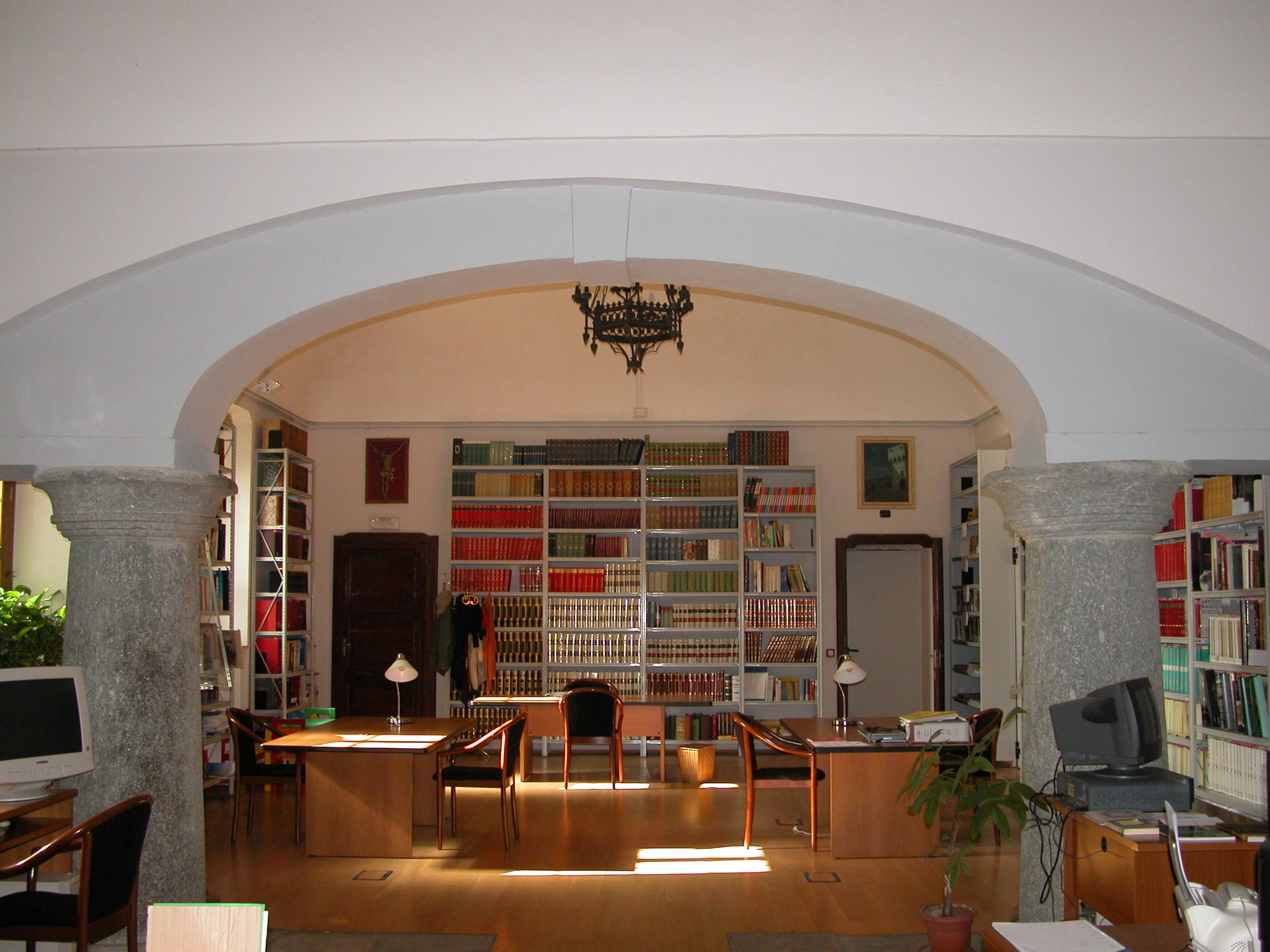 Sala lettura e postazioni informatizzate
